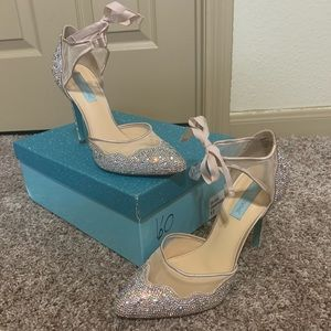 Ivory Betsey Johnson stilettos
